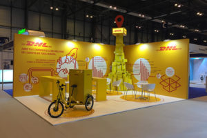 dhl18port 300x200 - Diseño de stands en Serracines