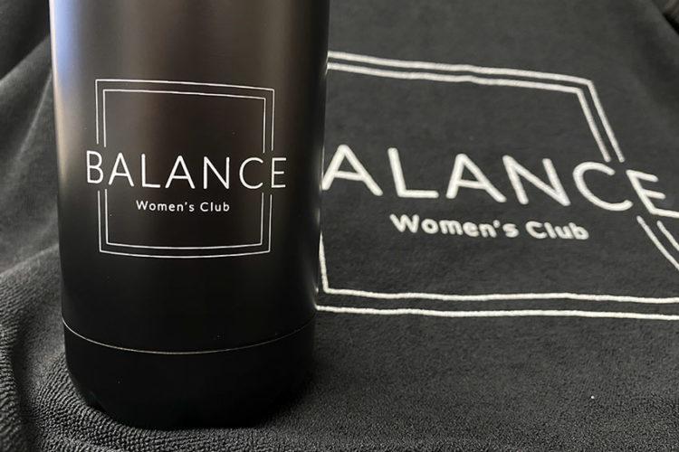 portfolio impresión merchandising balance womens club material deportivo botella toalla