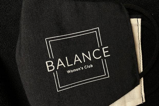 portfolio impresión merchandising balance womens club material deportivo mascarilla detalle
