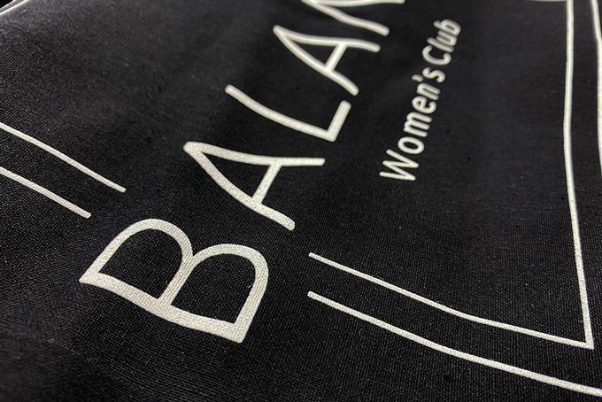 portfolio impresión merchandising balance womens club material deportivo totebag detalle
